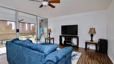 Photo for Beautiful 2 bedroom condo at the front of Waikiki