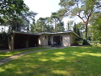 Photo for Detached house with spacious garden and wood stove on quiet holiday park