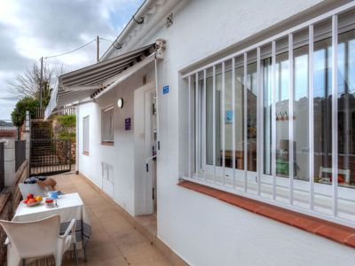 Photo for 2 bedroom Villa, sleeps 4 with FREE WiFi and Walk to Beach & Shops