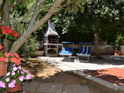 Photo for Delightful one-bedroom apartment with exclusive garden a stone's throw from the sea