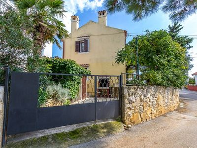 Photo for Holiday home for sole use in Medulin with 3 bedrooms, washing machine, air conditioning, terrace, barbecue and only 700 meters to the sandy beach