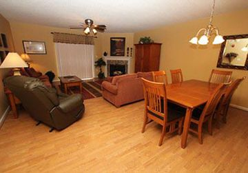 Free Dollywood Tkt, Large Kitchen, Fireplace, Private