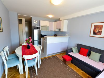 Photo for Yvette -Spacious and cosy in walking distance to old town and Kolovare beach