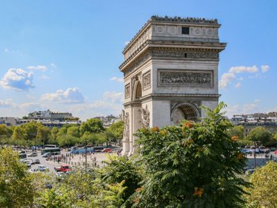 Photo for 300SQM WITH VIEWS OF ETOILE & ARC DE TRIOMPHE