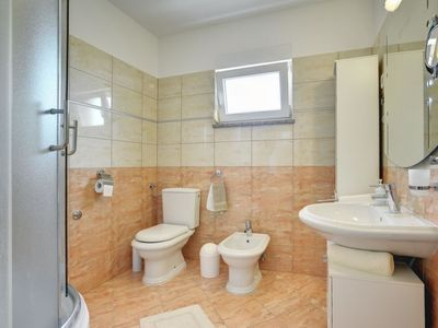 Photo for Apartment Casa Patty in Medulin/Ližnjan - 7 persons, 3 bedrooms