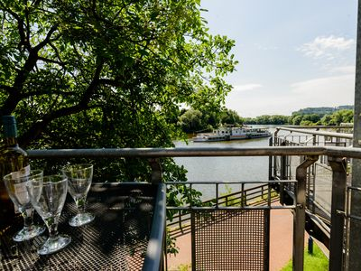 Photo for Weserwohnung - boat house holiday on the banks of the river Weser