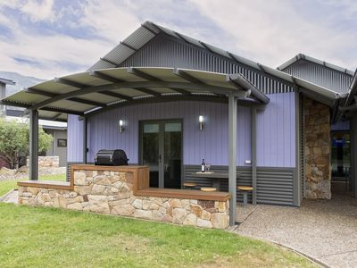 Photo for Kickenback Studio - Contemporary accommodation in the heart of Crackenback