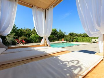 Large holiday house **** with heated pool, in the heart of the vineyard - Gite de groupe tout confort, facile d'accés.