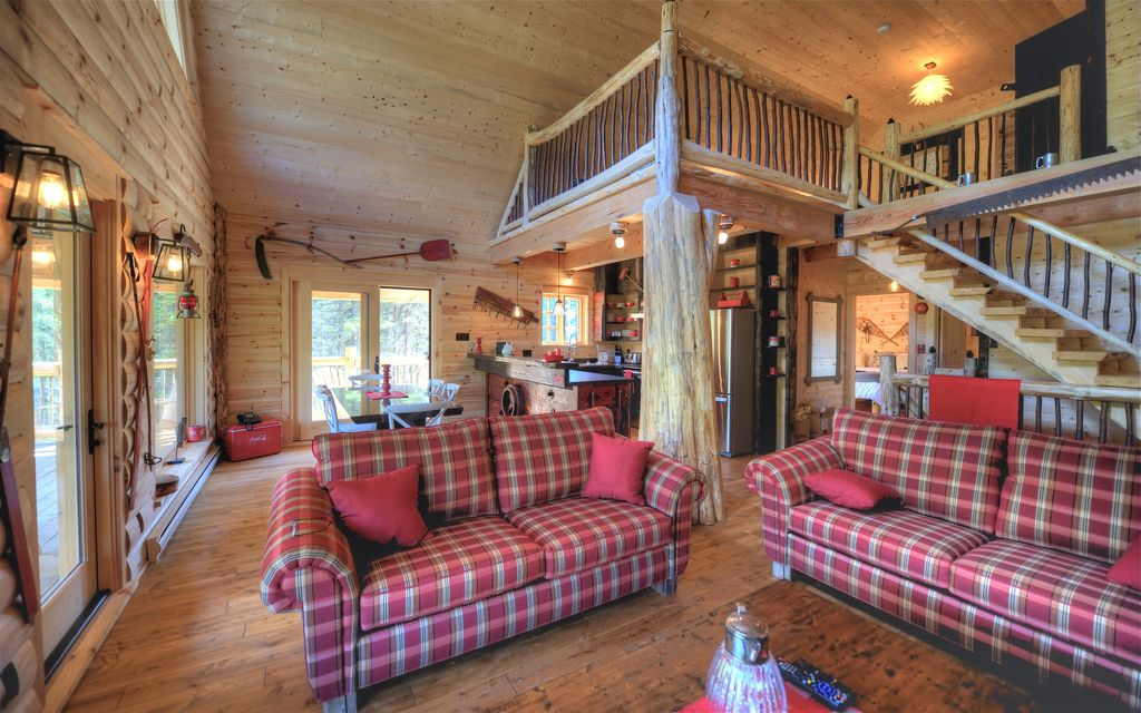 chalet wapiti capacit de 10 personnes les chalets de m h avec spa priv est canadien. Black Bedroom Furniture Sets. Home Design Ideas