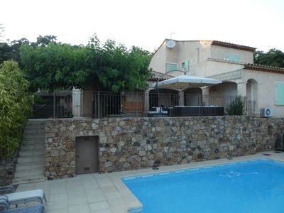 Photo for Quiet house 5 minutes from a small Provencal port and beaches