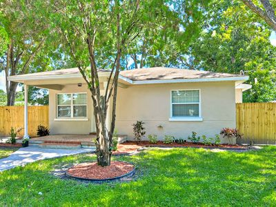 Photo for Affordable Modern Luxury - 3BD / 2 BATHS  - Close To Downtown Tampa
