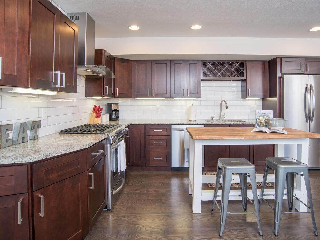 Property Image#2 2bd/2.5ba Baker Townhome W/Rooftop Patio