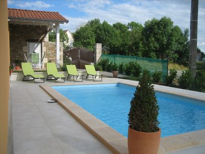Photo for Charming house with swimming pool in the heart of the Quercy Rouergue region