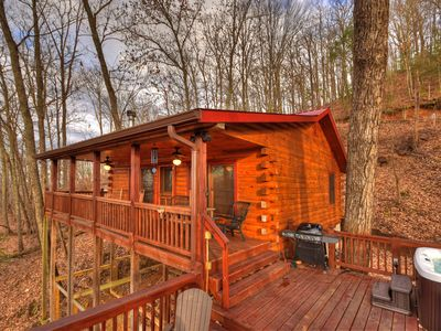 Photo for Enjoy year-round sunsets from the hot tub and deck in the Aska Adventure Area