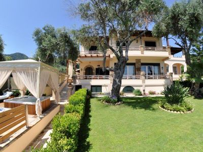 Photo for Prestige Villas | EAST COAST | Waterfront Villa with Hydro Pool 50m from Taverna
