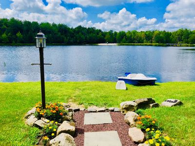 Photo for LAKE FRONT House: Fireplace, 4-Season Room Lake View - Family and Pet Friendly!
