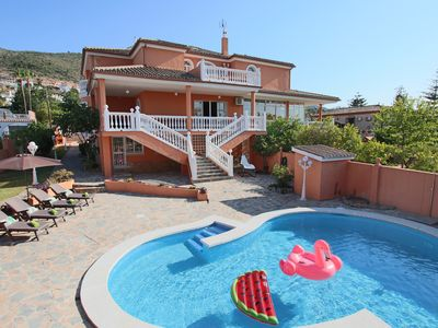 Photo for Villa 14 people only 5 minutes from the beach