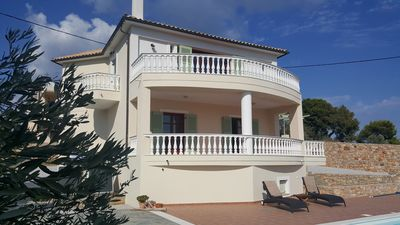 Superbly located Villa With  Private Pool and Stunning Sea And Island Views