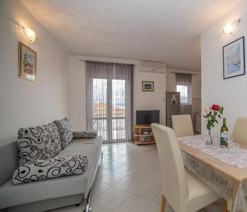 Photo for One bedroom apartment with terrace and sea view Okrug Gornji (Čiovo)