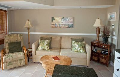 Direct Oceanfront, fantastic view, central air & close to Coligny & dining