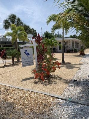 Photo for Roomy Beach Cottage: 4 bd/3 ba: 100 ft to beach path; priv pool/BBQ/walk to town