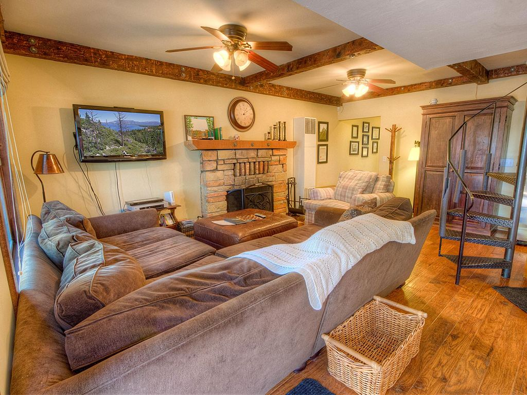 Adorable Tahoe Style Cabin with Hot Tub (HCH0892)
