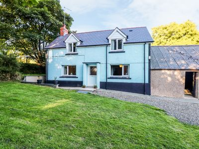 Photo for LLYGAD-YR-HAUL, pet friendly in Haverfordwest, Ref 990030