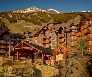 Luxury Ski-in/Ski-Out Slopeside Condo