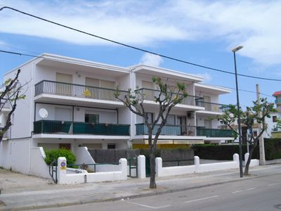 Photo for Spacious apartment in the center of Altafulla Playa