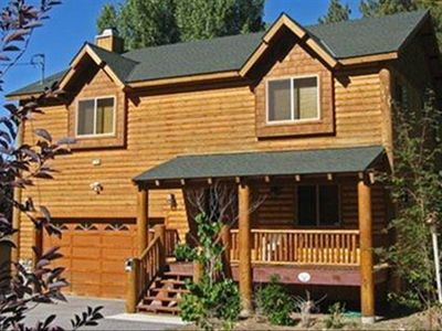 Front View - Moonridge, Big Bear Luxury Cabin - steps from Bear Mountain