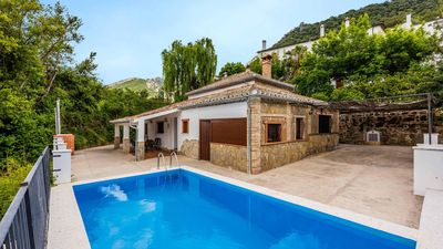 Photo for Two-storey holiday villa near the White Towns of Cadiz