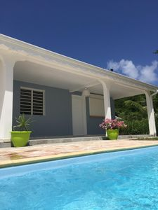 Photo for Housing with pool by the sea