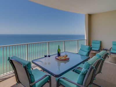 Oceanfront condo w/ panoramic views, hot tub & shared pool
