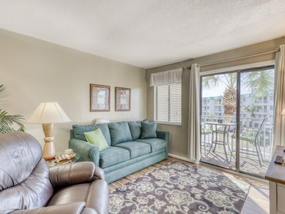 Photo for Gulf Highlands condo w/ gorgeous views, shared pool, & hot tub