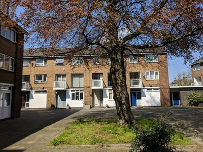 Photo for Lovely Apto in Hammersmith close to Thames