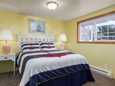 Photo for The Starfish, 1 bedroom oceanfront w/sofa bed, fireplace, kitchen, ocean balcony