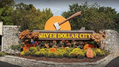 Photo for Stay close to more than 100 exciting attractions!