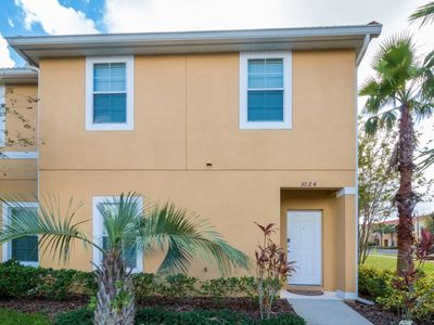 Photo for Beautiful townhome, Gated community, private pool,  Free Wi-Fi, 3 bedrooms