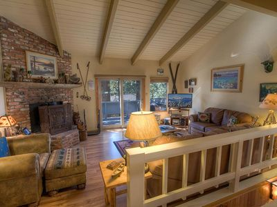 Rustic Pine Condo, BBQ, Fireplace, near Diamond Peak, Pet Friendly (MSC0753)