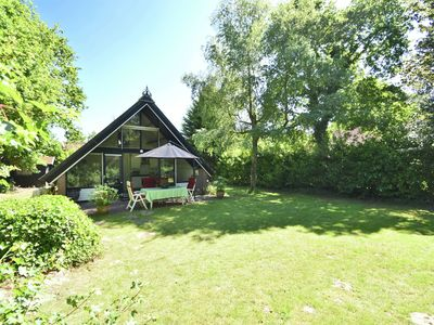 Photo for Cosy and compact holiday home situated in a small holiday park in Middelduinen