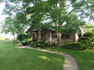 Two Bedroom Cottage On 2 Acre Stocked Pond Minutes From Downtown Indianapolis