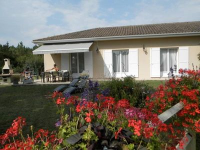 Photo for Gite Gaillan-en-Médoc, 3 bedrooms, 5 persons