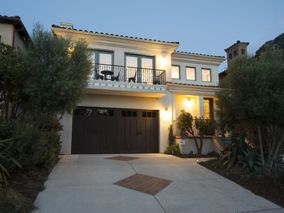 Photo for Fab Custom Home, Close to downtown! Pet Friendly.