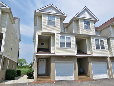 Photo for Wonderful location within walking distance to everything -3 bed 2 1/2 bath home.