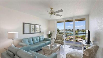Photo for Isla Del Sol Bahia Vista 12-442 2 Bedroom 2 Bathroom 4th Floor Bright Condo