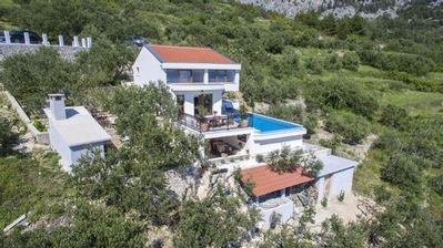 Photo for Makarska house for 1 - 6 people with 3 bedrooms - cottage