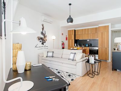 Photo for Gloria3A - One Bedroom Apartment, Sleeps 4