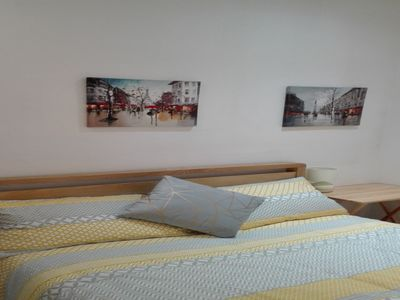 Photo for Bright Double Deluxe Ensuite Room - Zone 2 London