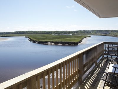 Photo for Newly renovated, with spectacular marsh views. Full A/C