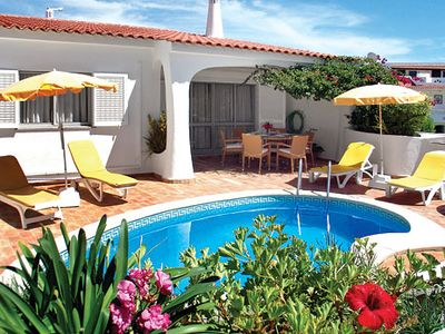 Photo for 2-bedroom villa w/ lounge and modern décor short walk to the beach.